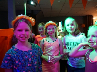 Royal Party 9 April Kids in the Mix